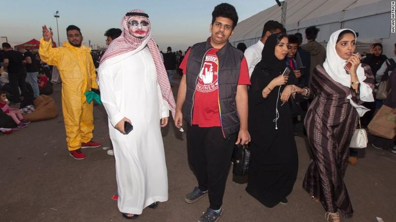 170220094121-saudi-comi-con-4-exlarge-169